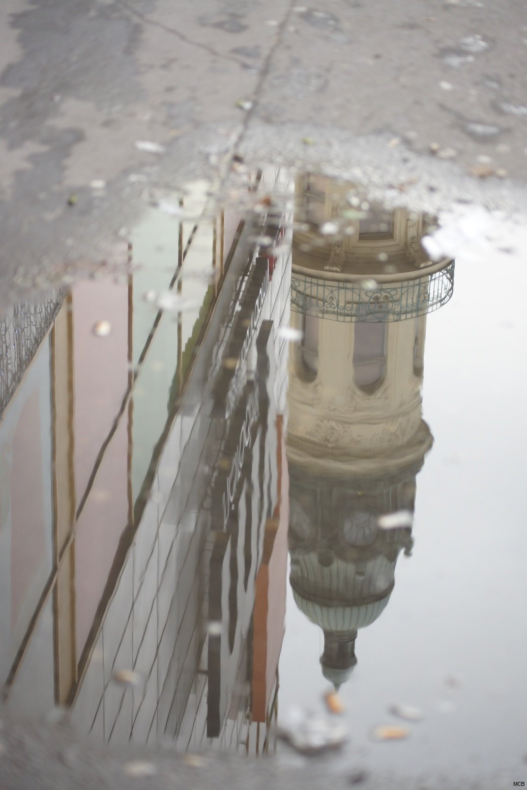 Prague dans une flaque après la pluie, 21 décembre 2014