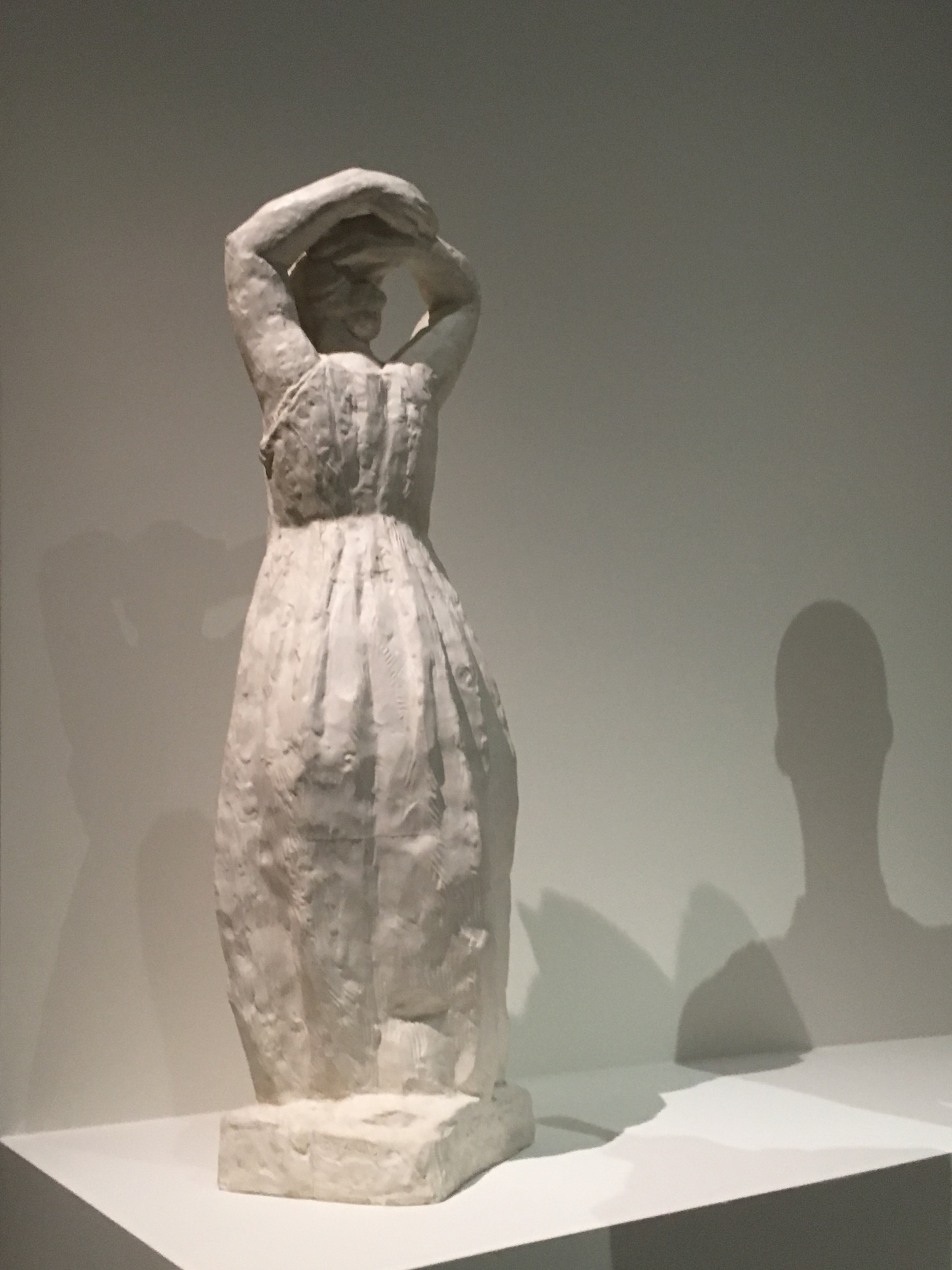 Mirush Bega, Paris, Musée Bourdelle, bras levés, 3 juillet 2019
