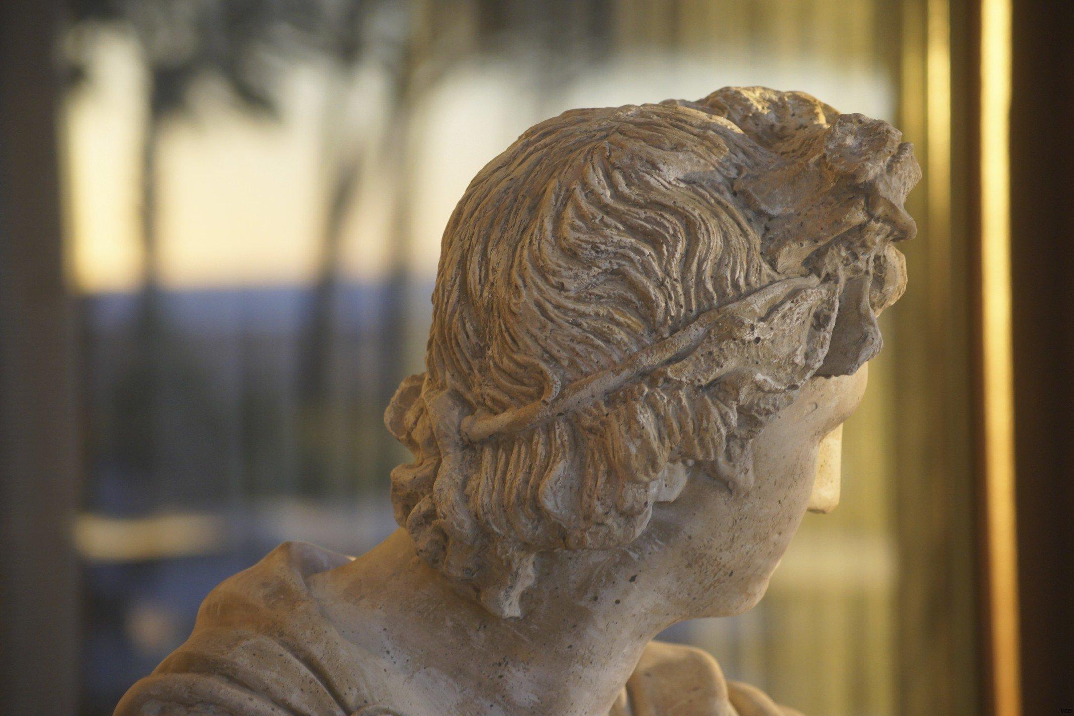 Statue au soleil couchant (1)